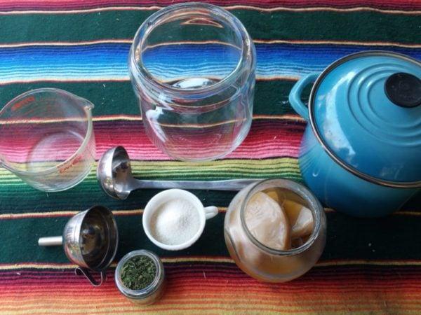 Ingredients and Materials for brewing Kombucha - Brew Kombucha at home